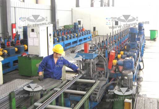 Photovoltaic solar support automatic production line